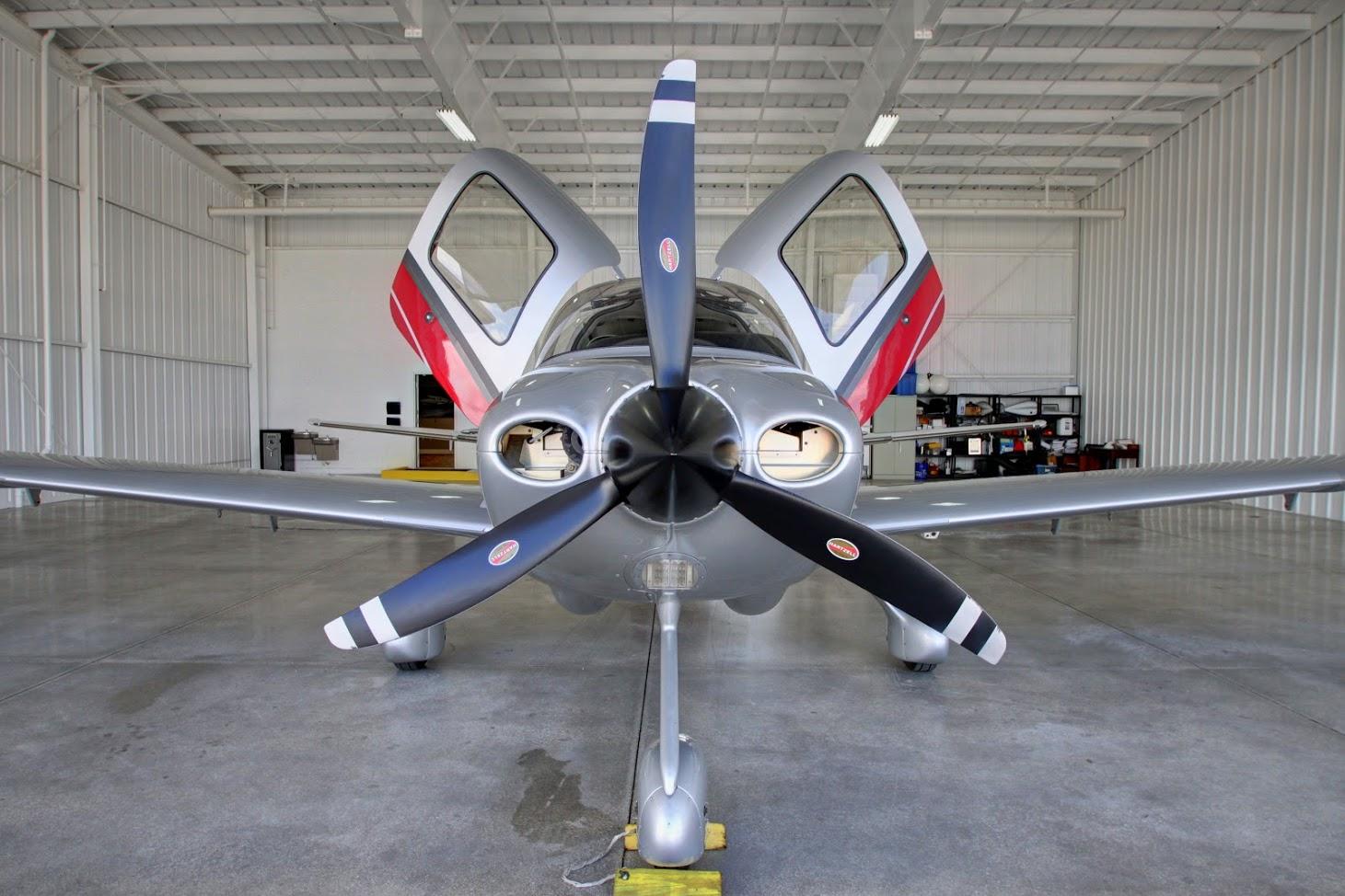 Cirrus Airplane Rental